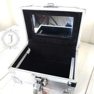 Retro-Bag Other - Retro-Bag Vintage Metal Locking Mini Jewelry Box